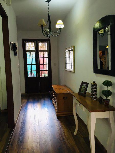 casa villa muñoz pasillo entrada